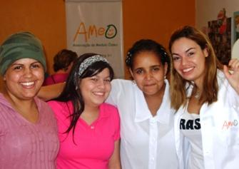 Reuniões semanais com os pacientes na sede da AMEO